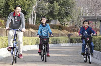 自転車で巡る名所とグルメ