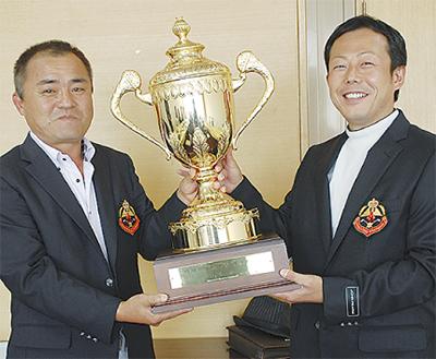 優勝は濱田さんと新倉さん