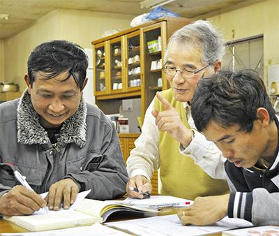 「出前授業」で日本語学ぶ