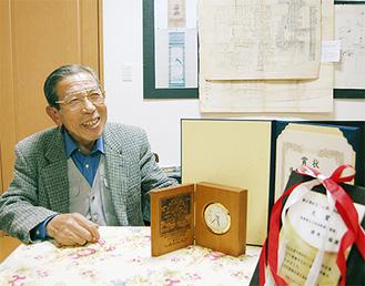 受賞の喜びを語る鈴木光雄さん