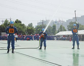 愛川町消防団の競技の様子
