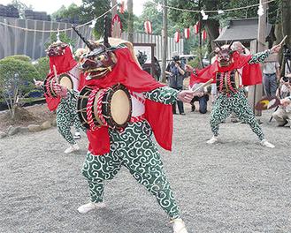 三増の獅子舞演舞