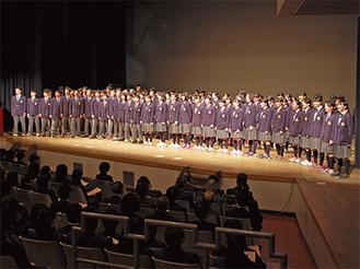 将来の夢を発表する生徒たち
