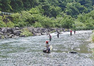 解禁日を楽しむ釣り人たち