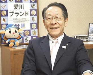 今年の重点施策について語る小野澤町長