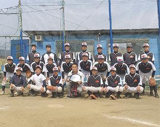 沼崎さん(前列中央)との記念撮影