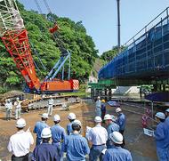 工事進捗を県職員が説明