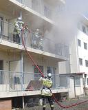 実際の建物を使用した緊張感ある訓練