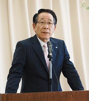 2期目の決意を語る小野澤町長