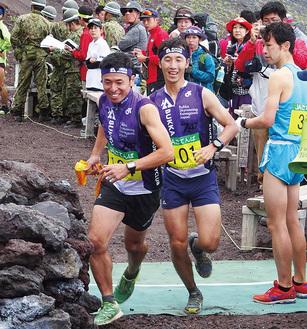 富士山を走る仏果スカイクラブ
