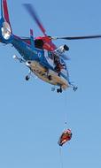 実践的訓練で救助に備え