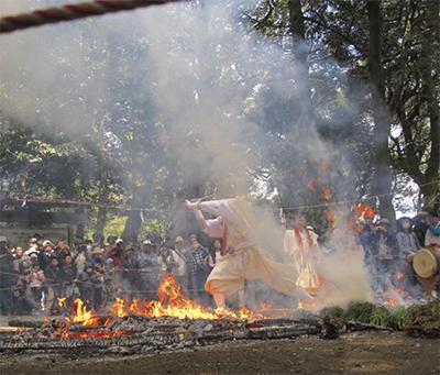 八菅神社で例大祭