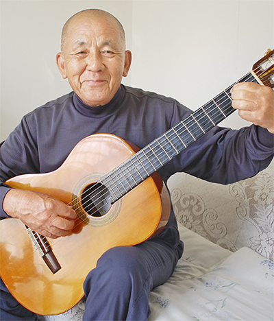 独学でギターづくり