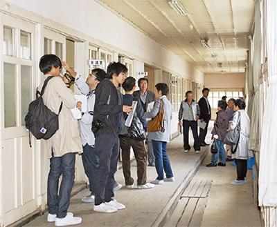 大学院生が旧校舎見学