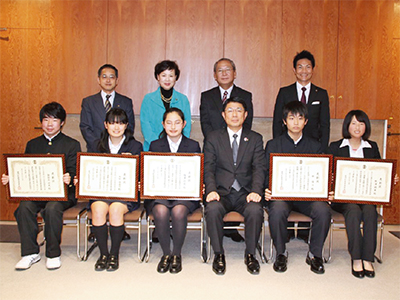 若者6人に教育委員会表彰