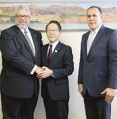 ドミニカの大使が表敬訪問