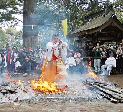 八菅神社で春の例祭