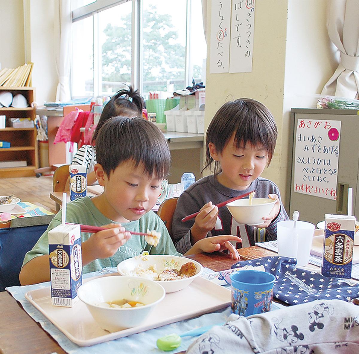 小学校で美味しく食育