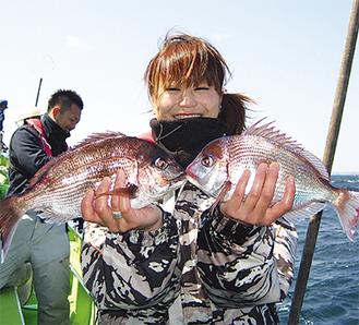 釣りを楽しむ女性は増加傾向にある写真提供=久里浜・ムツ六釣船店