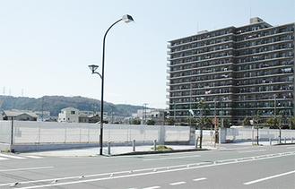 予定地周辺はマンションや戸建てが並ぶ