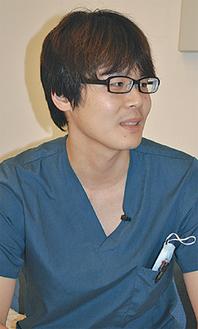 「入れ歯で困っている人を救いたい」と小林先生