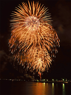 「開国祭」のフィナーレを飾る5000発の打ち上げ花火