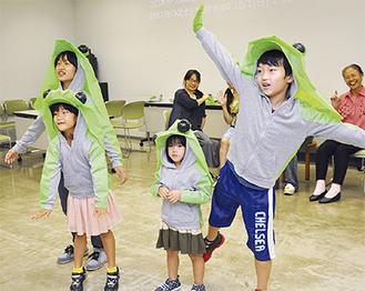妖精コロボックルを演じる子役たち