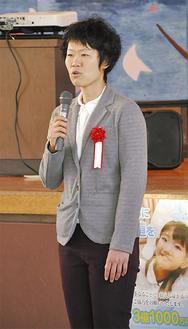 女子ソフトボール五輪金メダリストの西山さん。母校である常葉中で講演