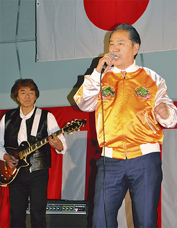 ロック調の市歌を初披露した上地市長