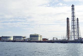 撤去作業が進む横須賀火力発電所