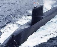米海軍基地で潜水艦見学