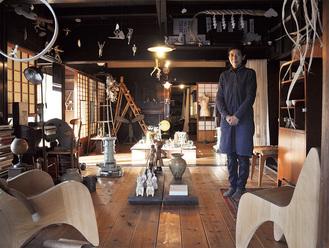 白倉さんが開設している古民家を利用したアトリエ兼展示スペース