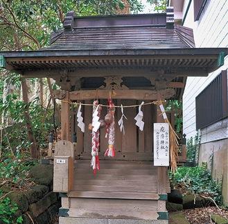 「海南神社」境内に祀られている