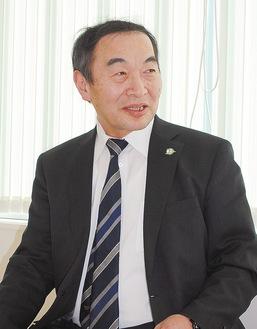 横須賀市医師会会長、野比にある遠藤胃腸科外科医院院長。医師会は会員数549人(12病院、243診療所)で構成。2014年、新港町に救急医療センターを移転、指定管理者として運営する。胃がんリスク検診や在宅療養連携推進事業などに力を入れている