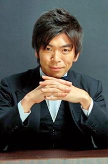 活動弁士の坂本頼光さん。映画『カツベン!』に出演したほか、活弁指導を担当