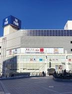 中央駅前に再開発ビル