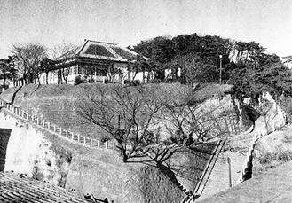 米海軍横須賀基地内にあったティボディエ官舎(=在日米海軍横須賀基地提供)