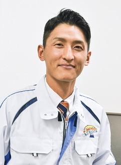 「マイバッグやマイボトルの取り組みを社内に広めているところ」と常務の岡田さん