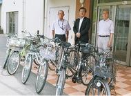 子どもたちに自転車寄贈