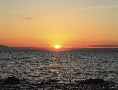 日出ヅル無人島