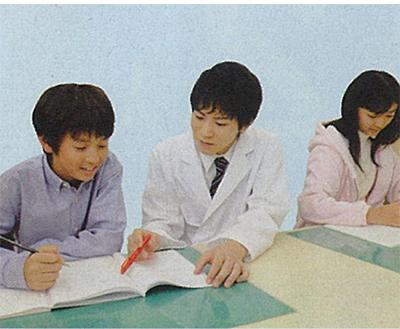 先生1人に生徒2人