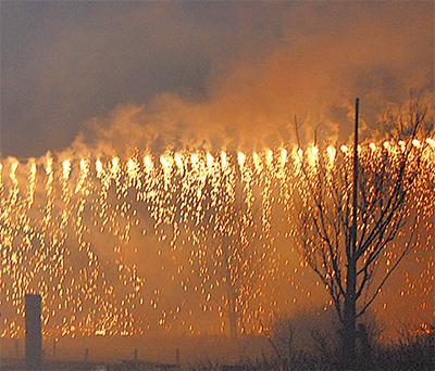 冬空彩る花火ショー