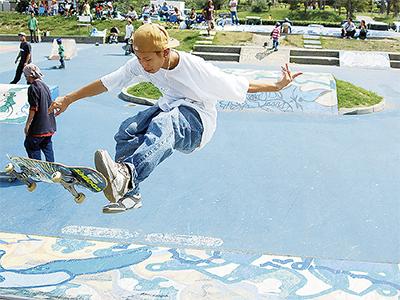 スケートボード場改修へ