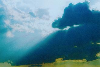 同会が撮影した今年の干支・竜の妖雲
