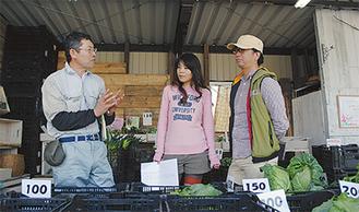 高梨会長(左)と事務局を務める高橋さんと桑村さん