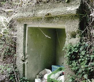 岩堂山に戦時中建てられた建設物の一部
