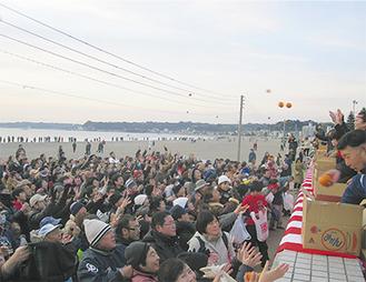 毎年多くの人が訪れ賑わいを見せる初日の出イベント(写真は今年の様子)