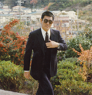 映画「海峡」の撮影で葉山町を訪れた故・高倉健さん(鈴木武さん提供)