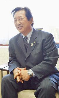 2016年の抱負を話す吉田市長