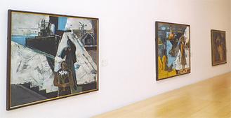 「ミナトヨコスカ」(写真左)ほか所蔵作品を展示